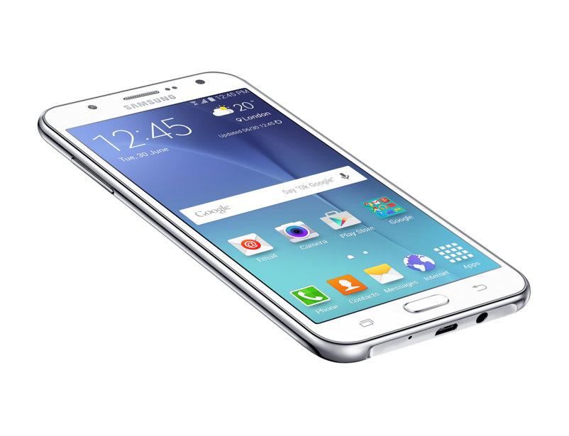 Samsung Galaxy J7 резко упал в цене в России