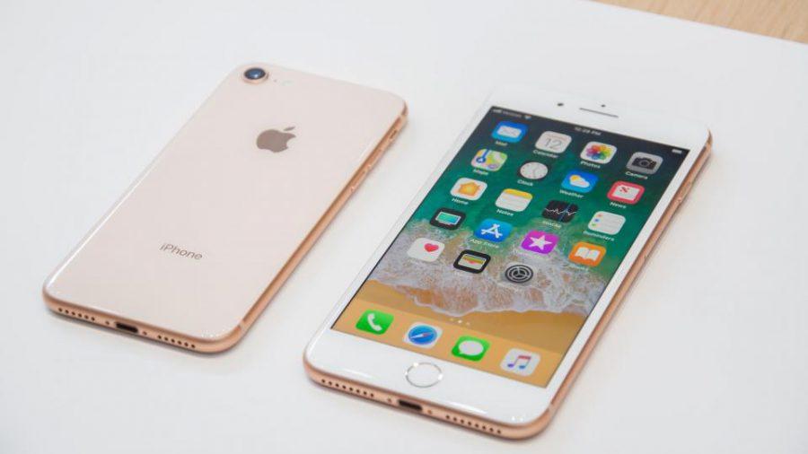 Смартфон iPhone 8 Plus резко обвалился в цене в России
