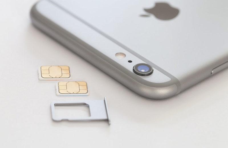 Apple выпустит смартфон с двумя SIM-картами