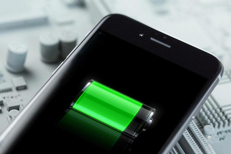 Стало известно, почему «тормозят» модели iPhone прошлых поколений