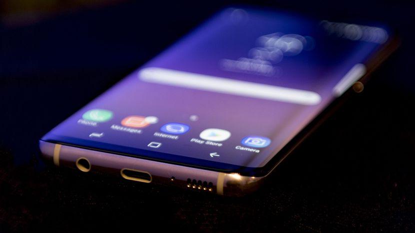 Galaxy S8 бренда Samsung стал лучшим из лучших по итогам года