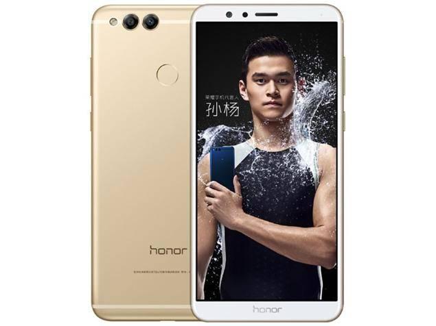В России появился Huawei Honor 7X с двойной камерой