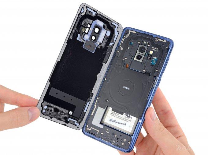 Проверку на прочность устройства Samsung Galaxy S9 можно увидеть в видеоролике, выложенном в сети